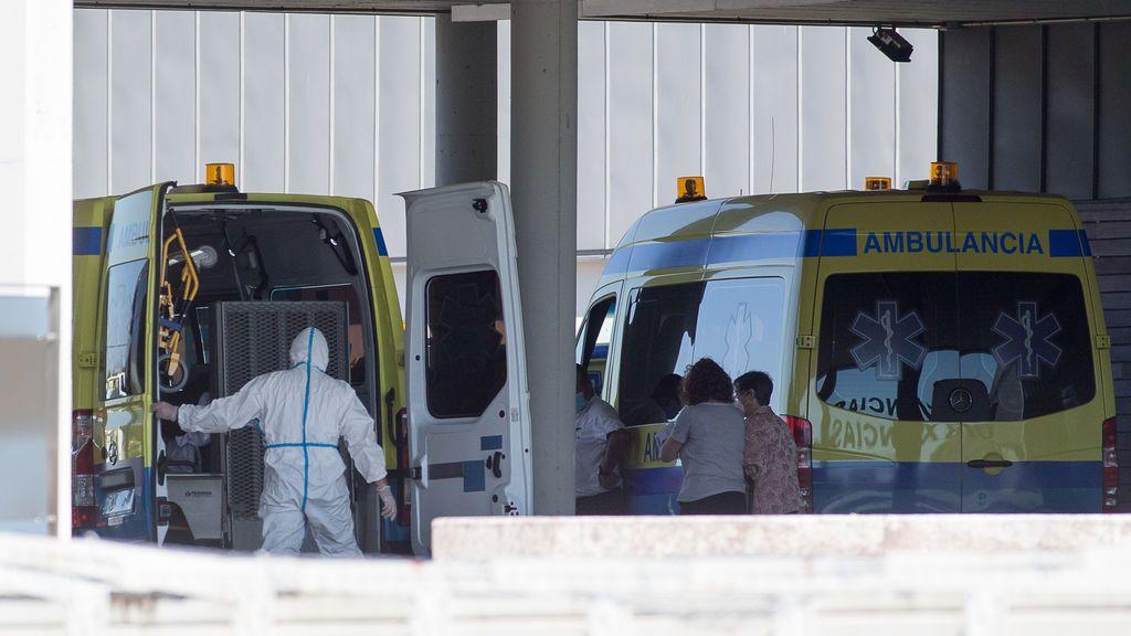 Un paciente con covid-19 es trasladado desde el Hospital de O Incio al Hospital de Lugo, Galicia