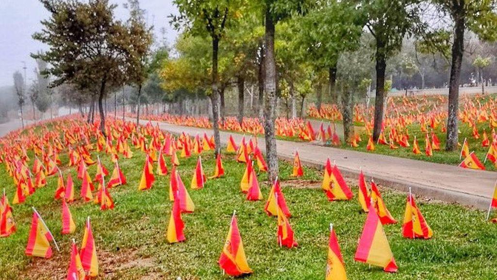 53.000 banderas en Sevilla homenajean a las víctimas del coronavirus