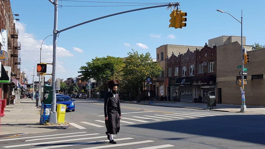 """Nueva York pide a judíos ortodoxos que eviten aglomeraciones y """"salven vidas"""""""