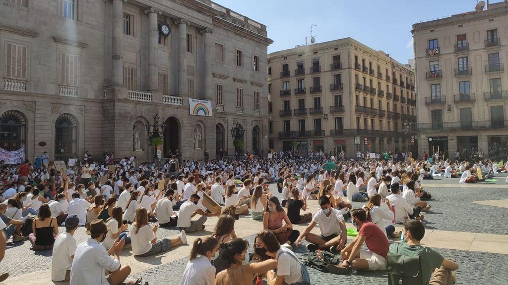 Cataluña encara semanas de huelgas en la sanidad con la curva de contagios disparada