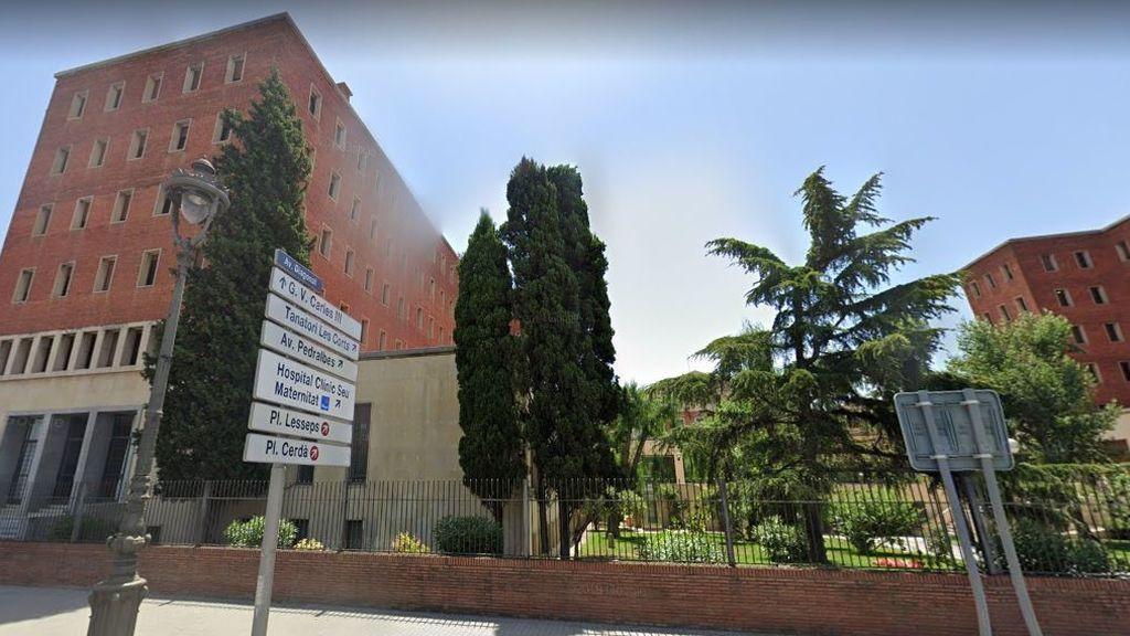 Confinado un colegio mayor de la Universidad de Barcelona tras detectar un brote con 50 positivos