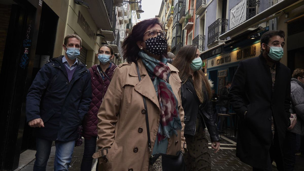 Las comunidades más afectadas endurecen las restricciones contra el Covid mientras Madrid reclama suavizar las suyas