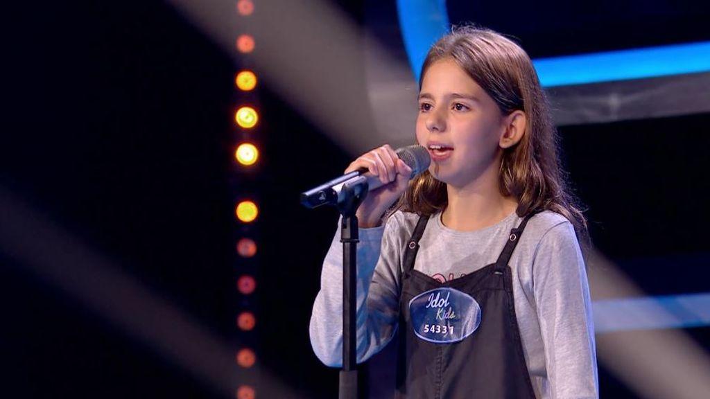 """El jurado de 'Idol Kids' enseña a Irene cómo hacer una buena puesta en escena y a vencer su timidez: """"Tienes mucho potencial"""""""