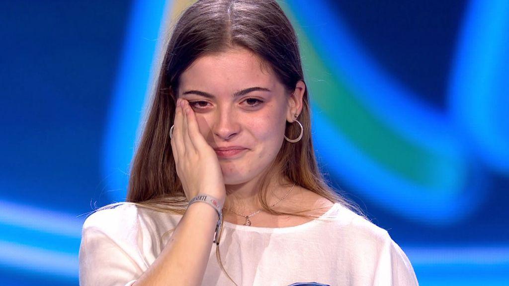 Lucía impresiona al jurado con su versión de  'Un clavel'