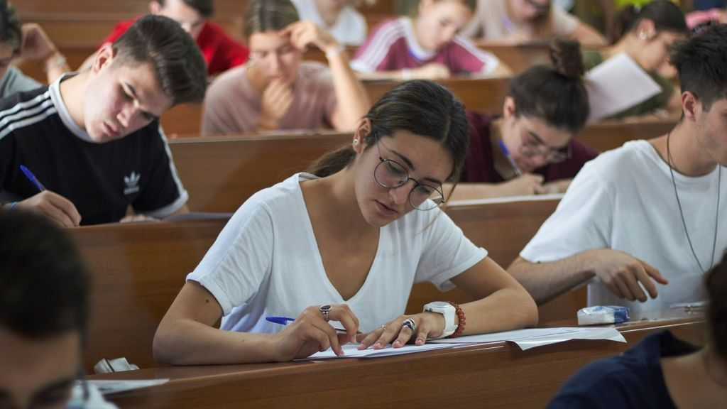 Los contagios entre los universitarios de Granada aumentan: 326 positivos y 840 aislados desde septiembre