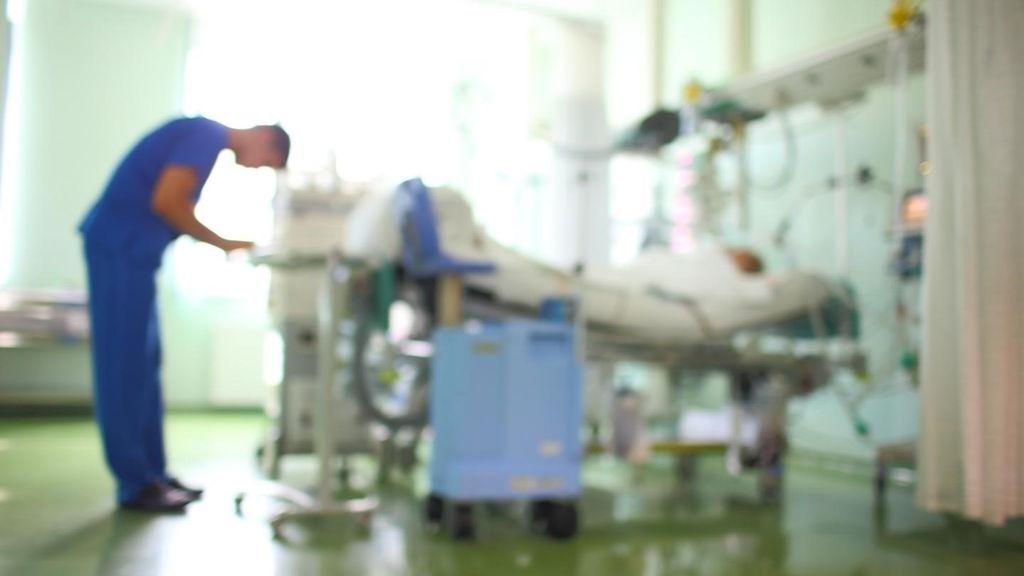 Uno de cada cinco jóvenes hospitalizados por covid-19 acaba en la UCI