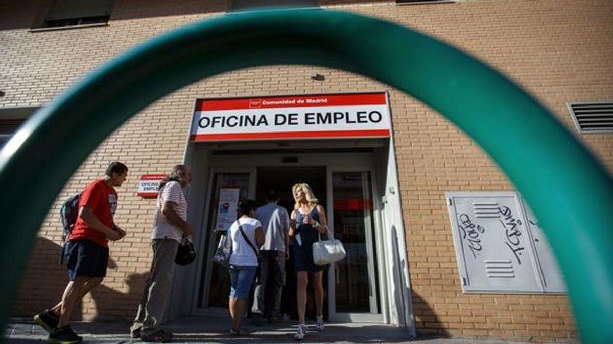 Las consecuencias del coronavirus: el FMI estima que España no reducirá el paro durante 2021