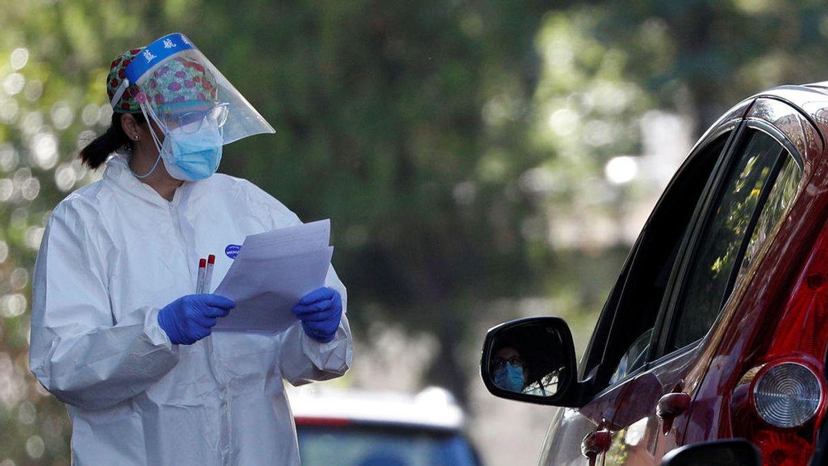 Italia prohíbe fiestas privadas y restringe horarios de bares para frenar la segunda ola de coronavirus