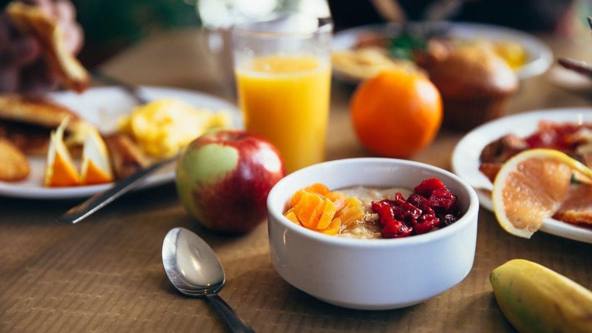 Frutas, proteínas o fibra: así son los desayunos fit para comenzar el día con energía