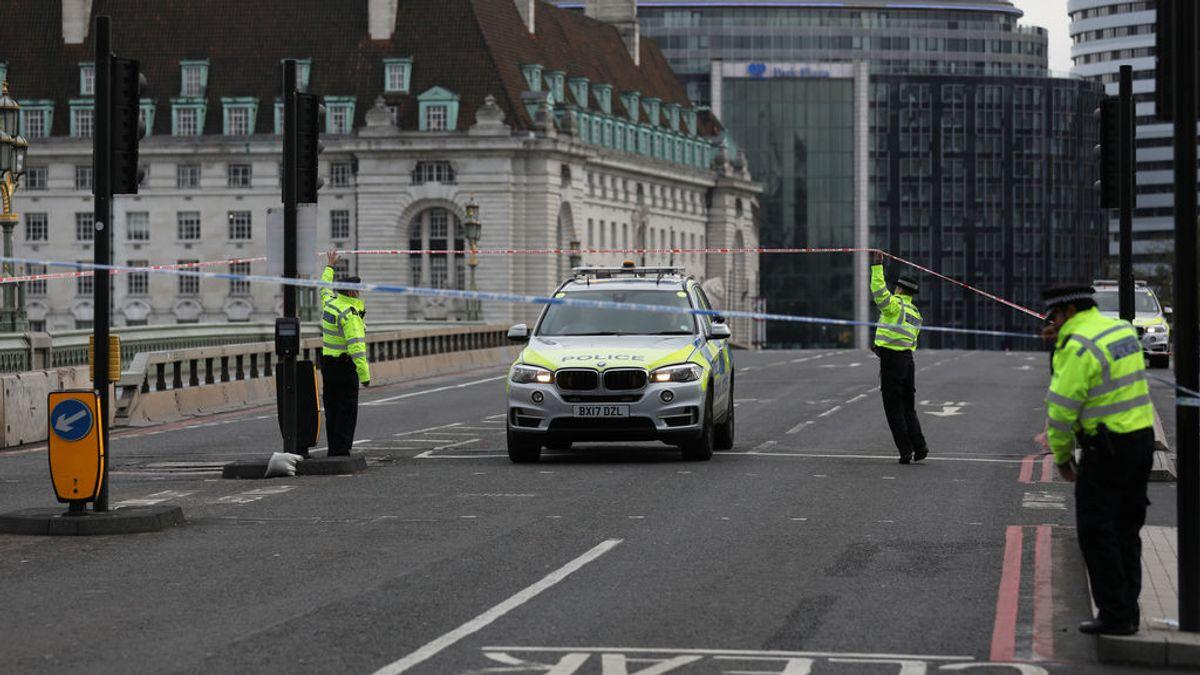 Cierran el puente de Westminster por una alerta de seguridad en un hospital de Londres