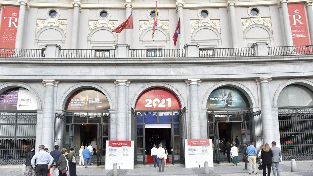 Fachada Teatro Real - CORDON PRESS
