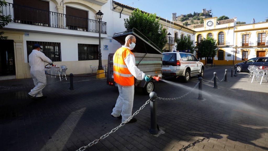 Andalucía marca nuevos récords diarios de hospitalizados, muertes y contagios, con otros 2.302 casos