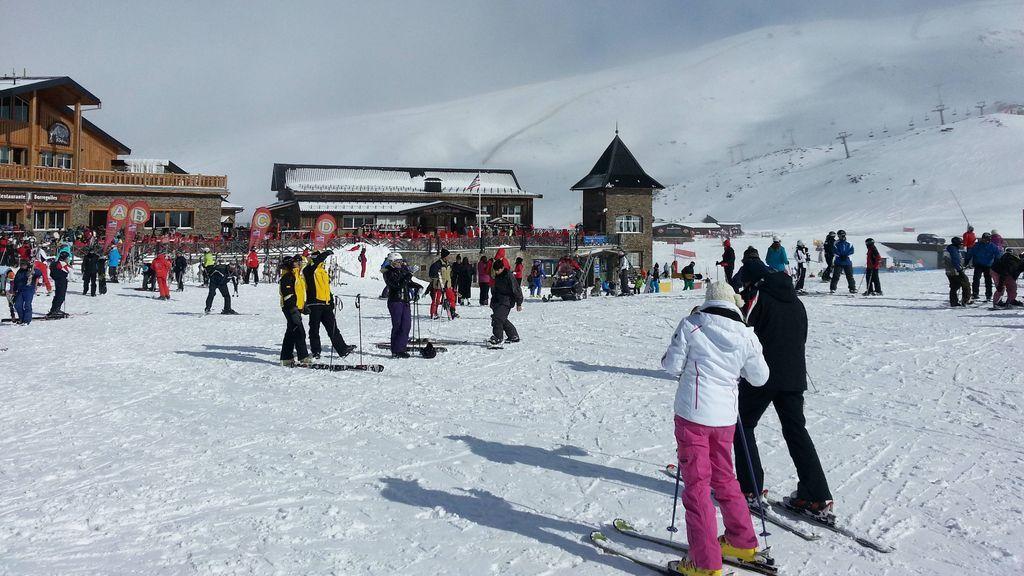 ¿Qué estaciones de esquí abrirán a tiempo para el puente de diciembre y con qué medidas?