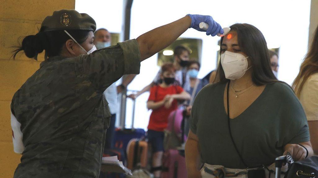 España supera los 900.000 casos de coronavirus tras añadir 11.970
