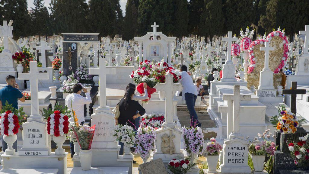Andalucía regula las visitas al cementerio: menos de media hora y en grupos de cuatro