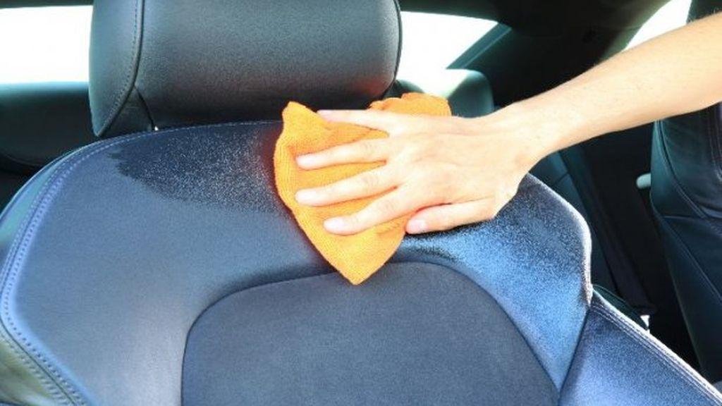 Cómo quitar las manchas de la tapicería: los trucos para cada caso