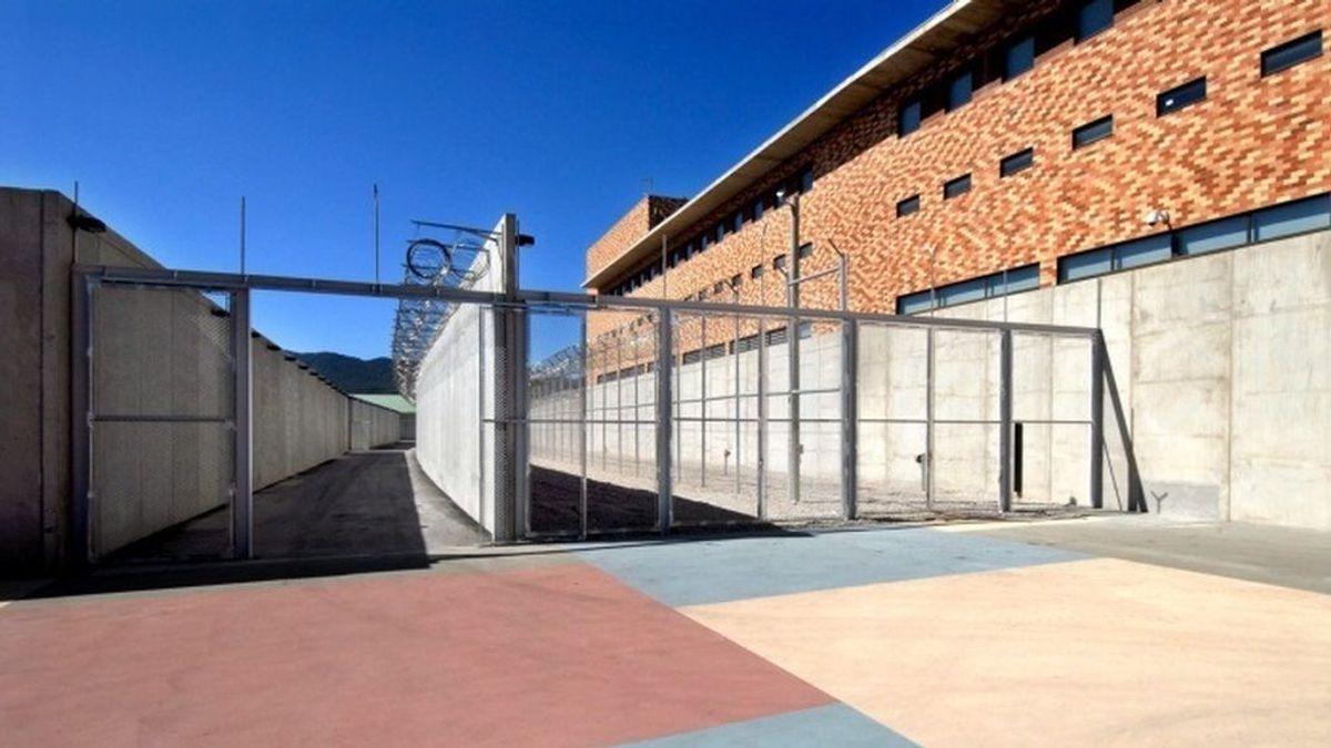 Un preso mata a otro a puñaladas en el patio de la cárcel de Brians 2