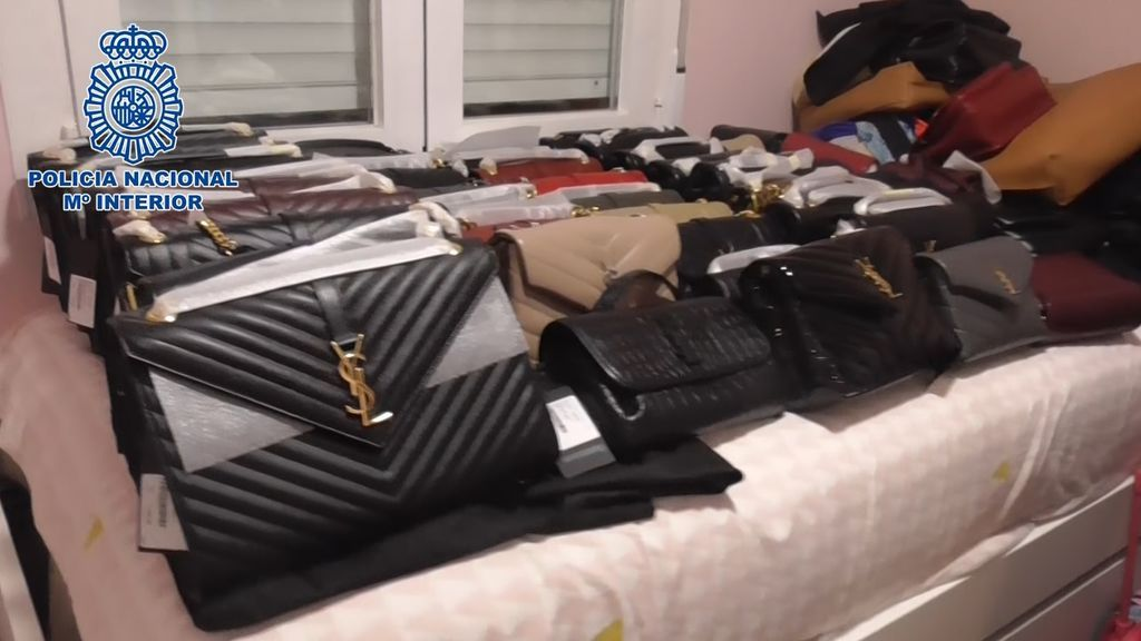 La policía ha recuperado los 243 bolsos robados