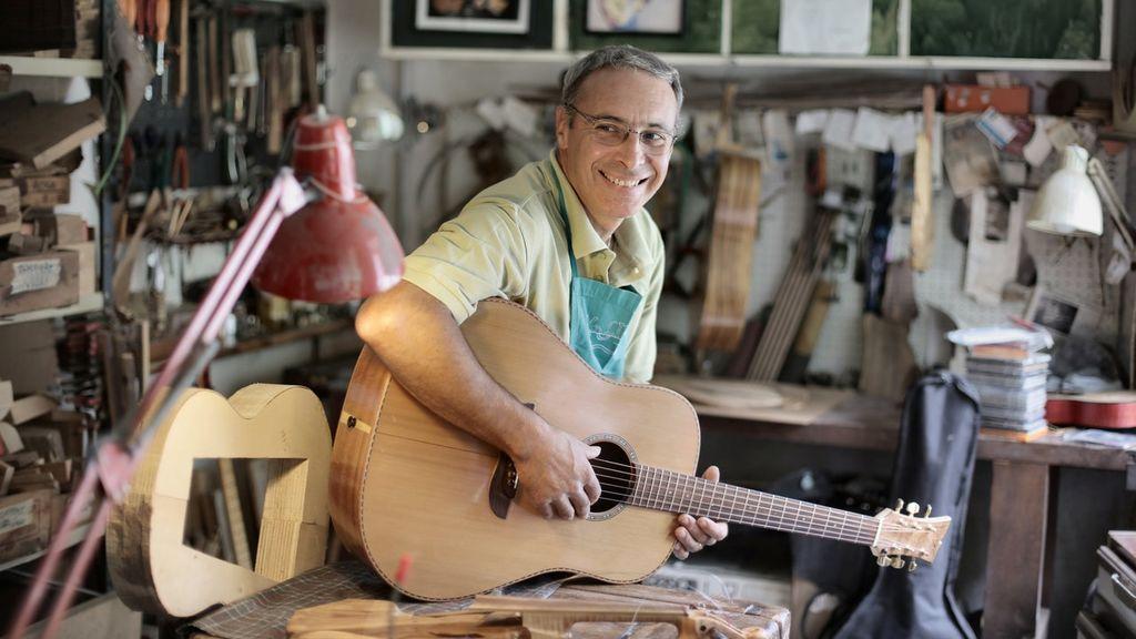 El luthier, un gran aliado para tener tu guitarra siempre a punto