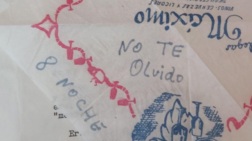 """""""Mi abuelo mandaba servilletas con mensajes a mi abuela"""": La historia que muestra cómo era el amor antes de whatsapp"""
