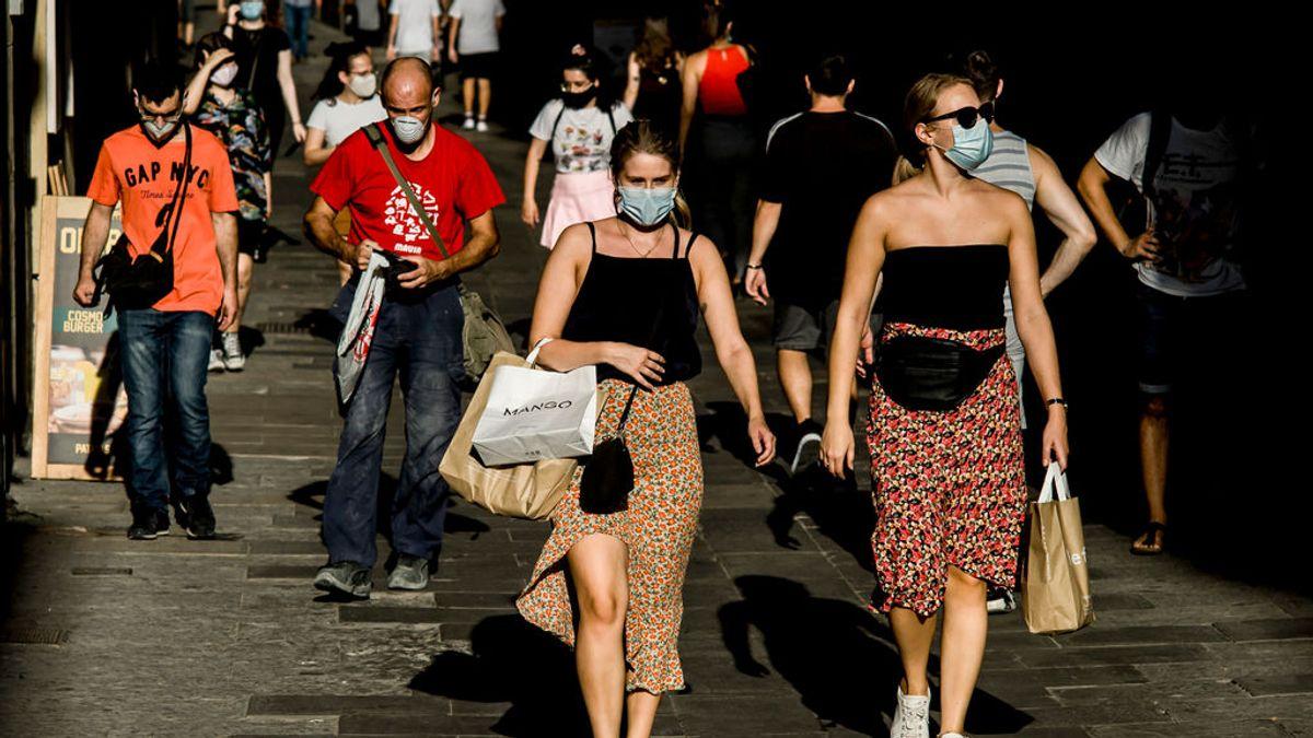 """Un centenar de científicos avisan en 'The Lancet' de que la inmunidad de grupo es una """"falacia peligrosa"""""""