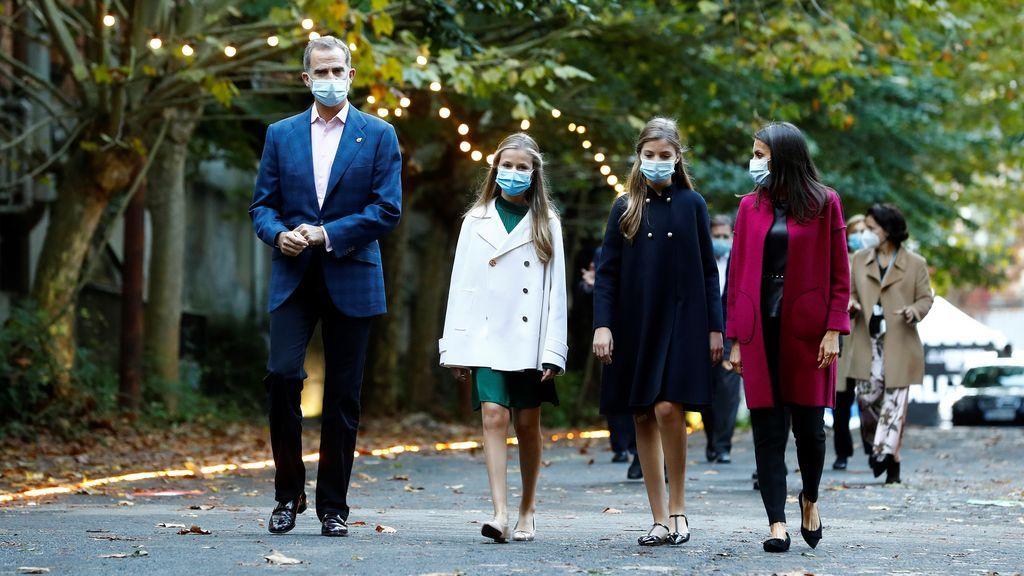 La Familia Real abre en la antigua fábrica de La Vega una edición de los Princesa de Asturias marcada por la pandemia