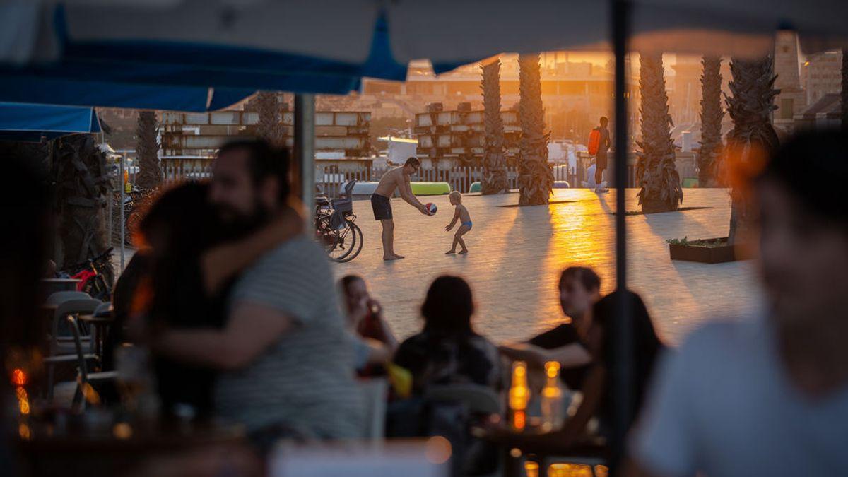 La Generalitat catalana decreta el cierre de bares y restaurantes sin esperar el aval del TSJC