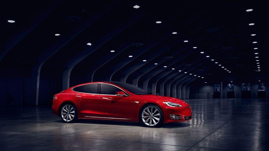 Tesla también va de rebajas y reduce en 3.000 euros el precio de su berlina Model S
