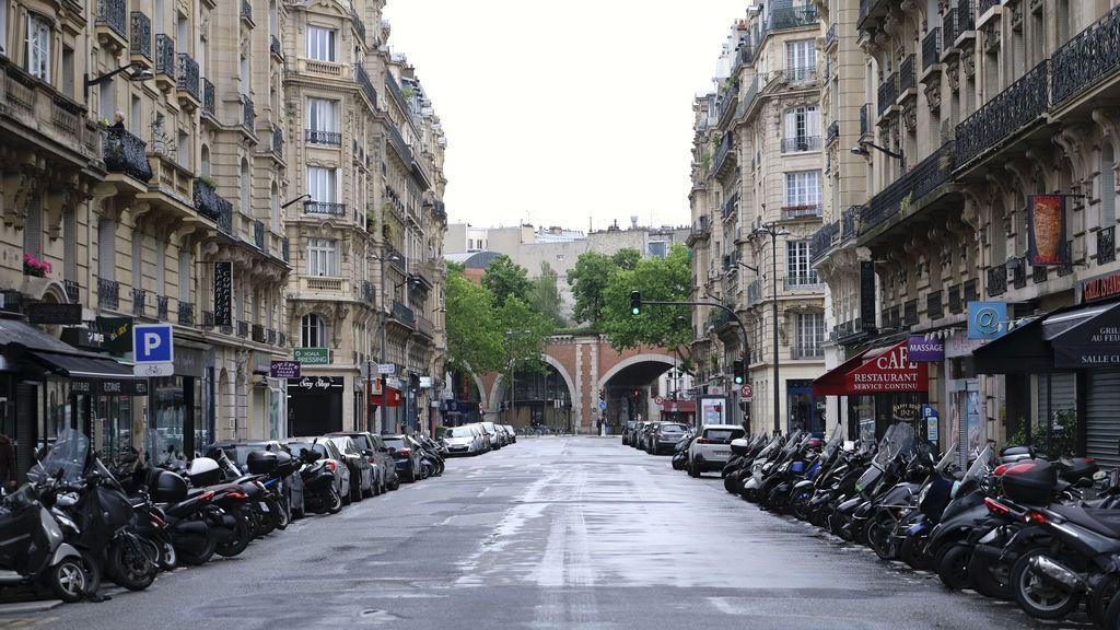 Francia suma 25.086 casos de coronavirus mientras aumenta en número de muertos diarios y pacientes en la UCI