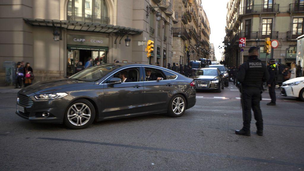 Del autobús al coche: Pablo Iglesias y los ministros de Podemos disponen de 19 vehículos oficiales