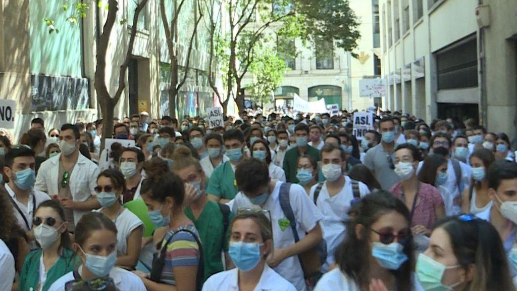 """Los médicos vuelven a la huelga en Madrid por los """"incumplimientos laborales"""" de Ayuso"""