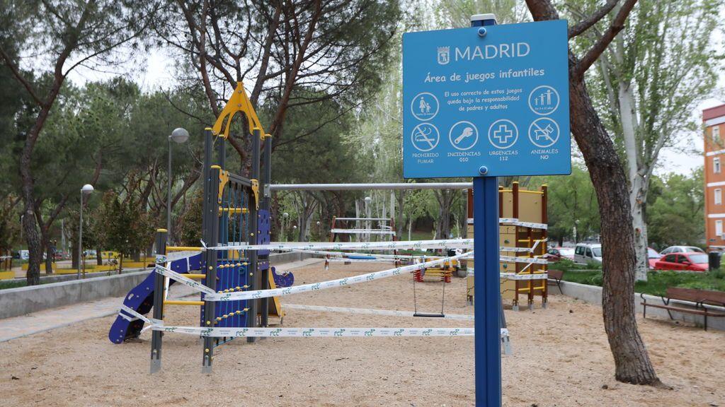 Parques infantiles precintados