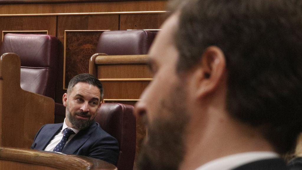 El PP se aleja del centro y eleva el tono contra Sánchez para contrarrestar la moción de censura de Vox