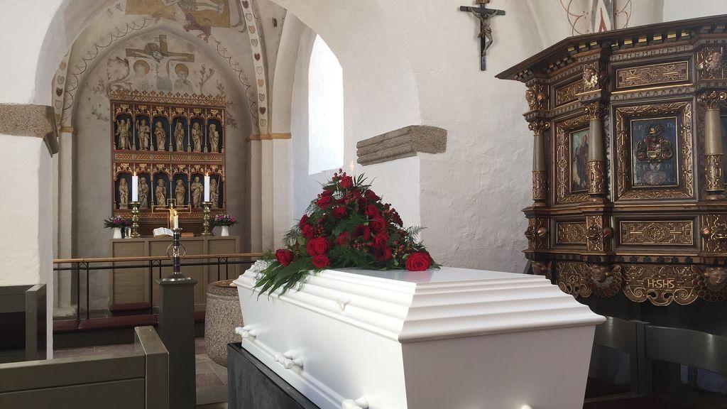 Una funeraria saca el cadáver de un joven de 19 años del ataúd donde estaba siendo velado: su familia no podía pagar el féretro