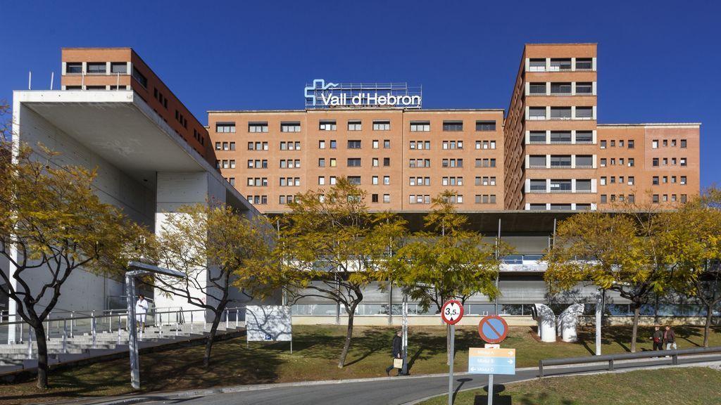 Un brote de 40 personas obligó al hospital Vall d'Hebron a no admitir pacientes durante un día