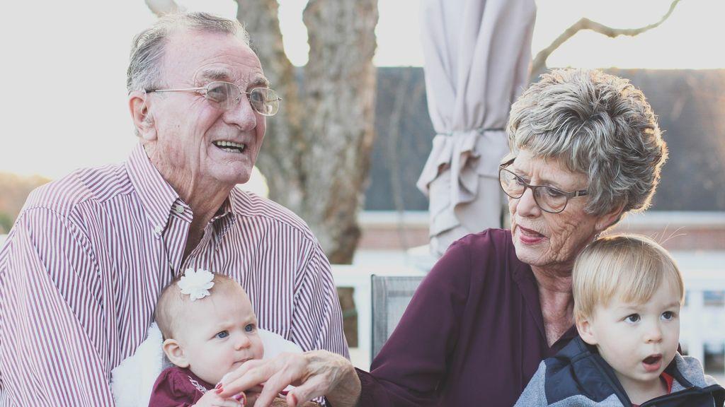 15 consejos para que los abuelos puedan disfrutar de forma segura de sus nietos durante la pandemia