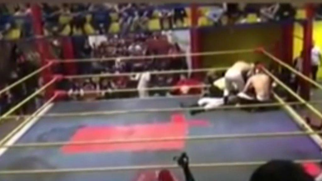 Muere un luchador de wrestling en pleno combate en México: 'El Príncipe Aéreo' sufrió un infarto