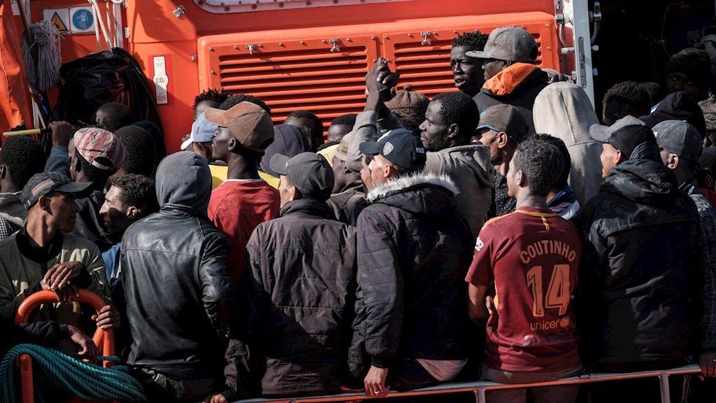 Más de 300 migrantes llegan a las costas españolas en la mañana de este domingo