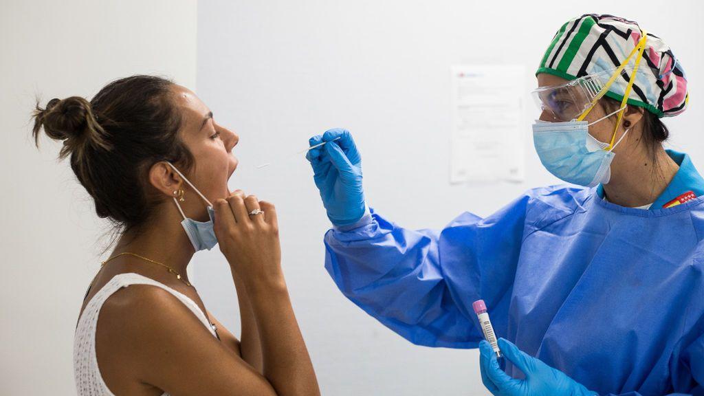 Cataluña pone en marcha automuestras para la detección del virus en residencias e institutos