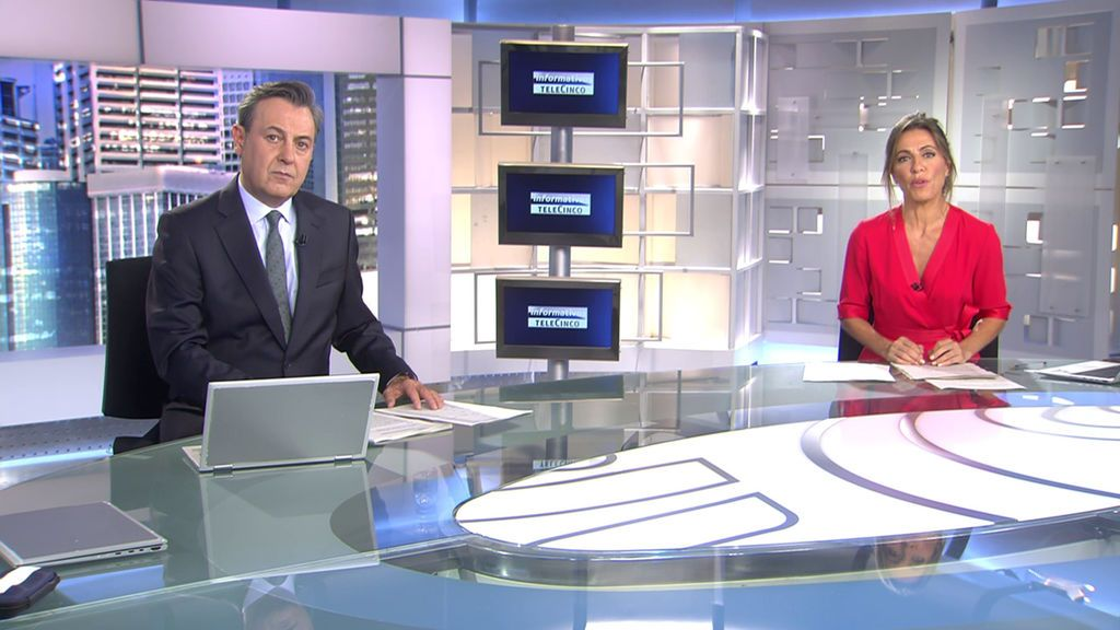 Con José Ribagorda y Ángeles Blanco Informativos Telecinco 2020 Noche 17/10/2020