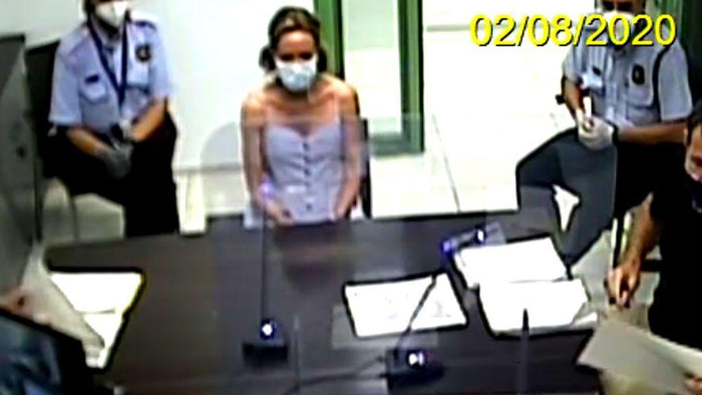 Ángela Dobrowolski, declarando ante el juez por el caso Mainat