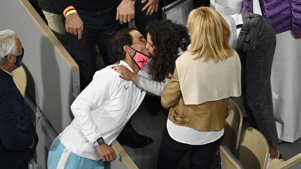 Rafa Nadal celebra su 13 Roland Garros junto a Xisca Perelló