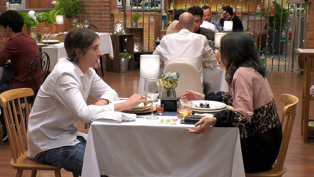 """Ana no para de intentar darle conversación a Cristofer y alucina cuando él le dice: """"Parece que hablo yo solo"""""""