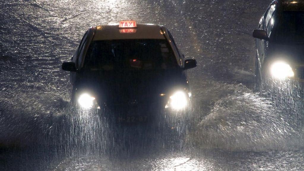 Llega la borrasca Bárbara con viento huracanado: las zonas de España que están en aviso
