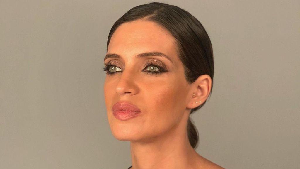 Sara Carbonero muestra su cara más solidaria apoyando a la lucha contra el cáncer del mama