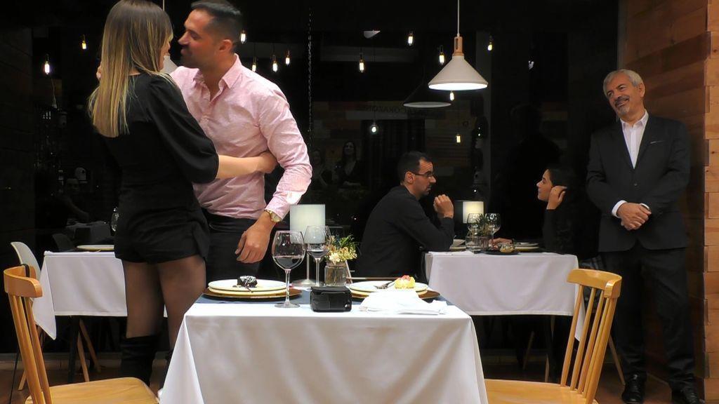 Tani, sin palabras con la sorpresa de su novio y David Bisbal