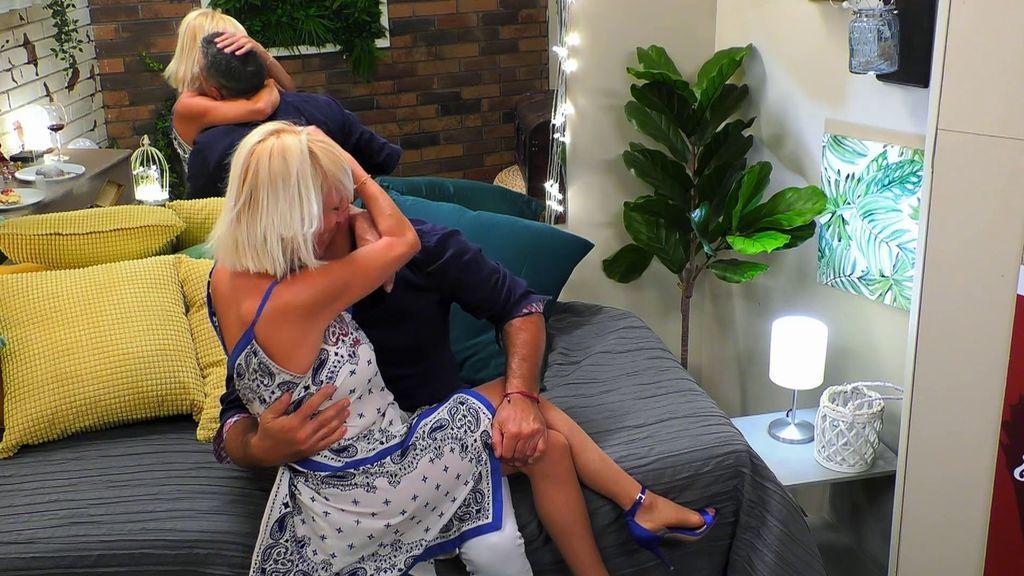 El primer beso de Eva y Alejandro