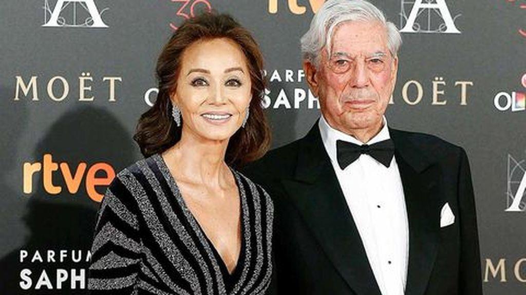 Ahora, Isabel mantiene una relación con el escritor Mario Vargas Llosa, desde el año 2015.