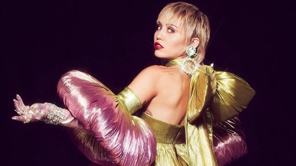 """Miley Cyrus relata un incidente en el que su perra casi muere electrocutada: """"Estaba convulsionando"""""""