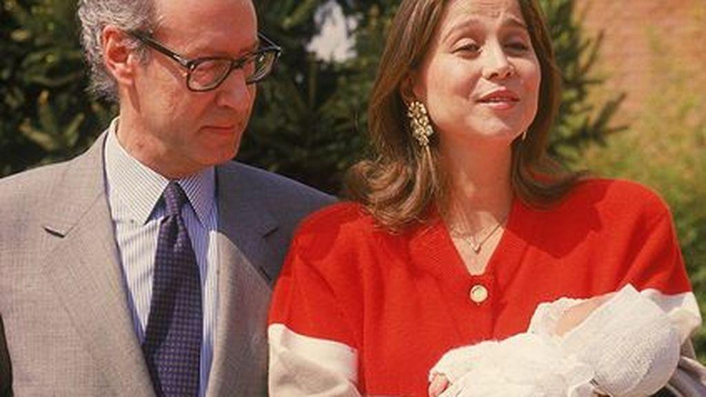 Fruto de su relación nace Ana Boyer.